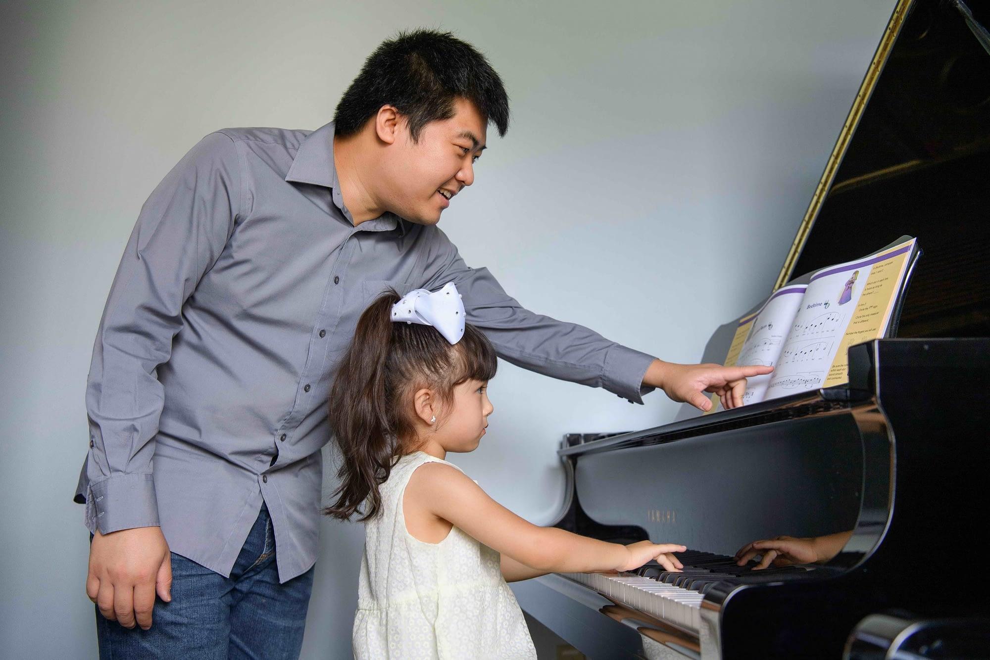 Preschool piano lesson