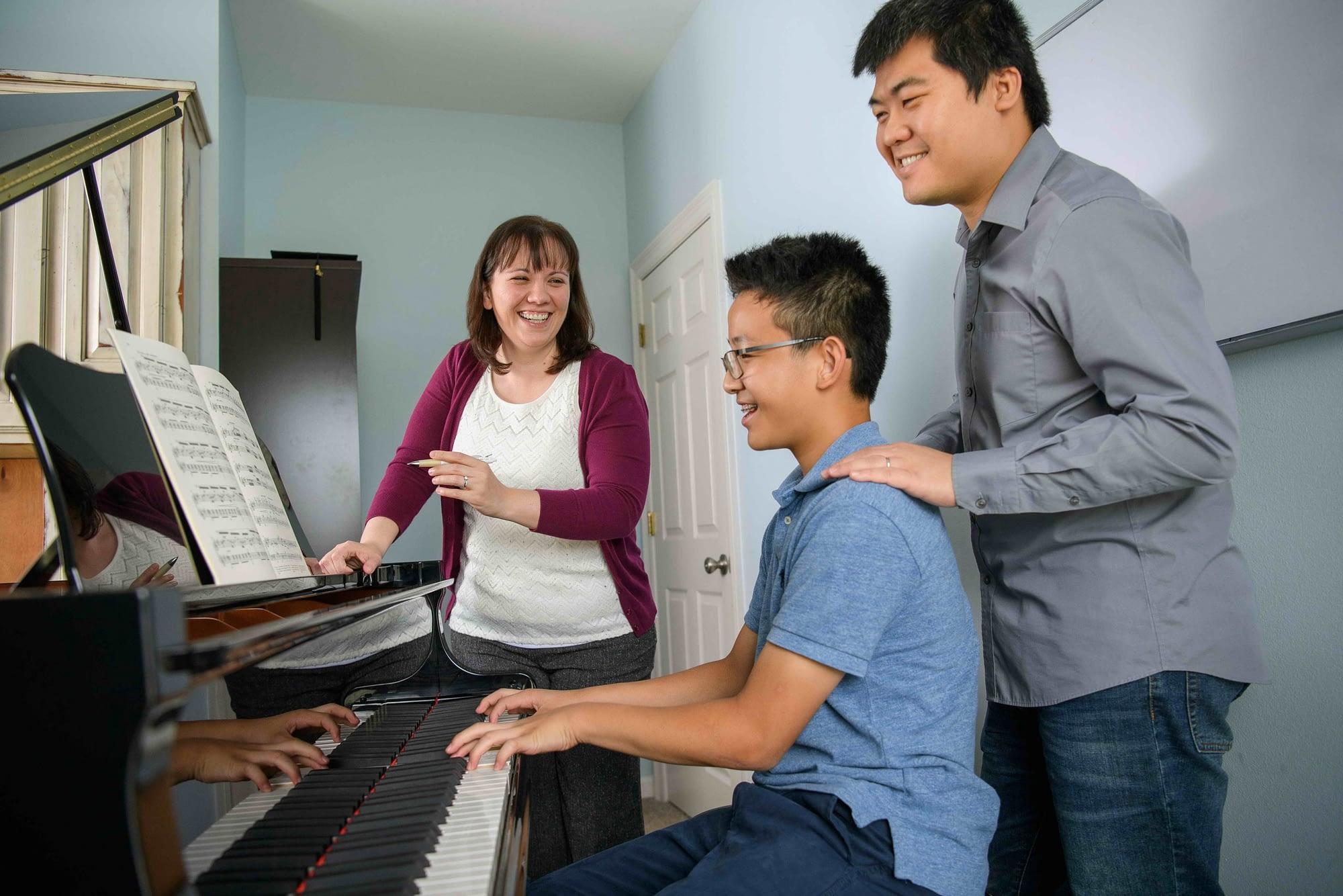 Team teaching piano lesson